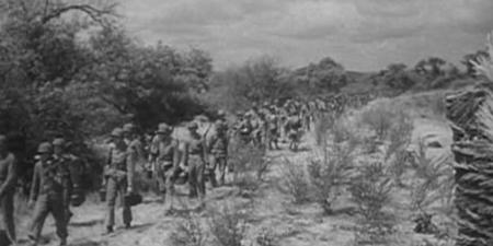 """Dal film """" Guadalcanal"""", di De Lewis Sailer, 1943"""