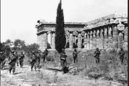 GI americani nei pressi del Tempio di Hera a Paestum. Da www.nuke.montecassinotour.com